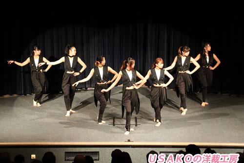 ダンスチーム衣装 燕尾服・ビスチェ 投稿者:Pinkchild様