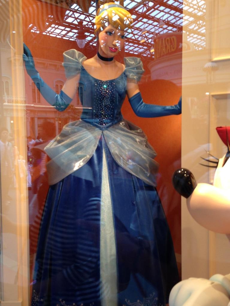 ディズニー シンデレラスカートについて
