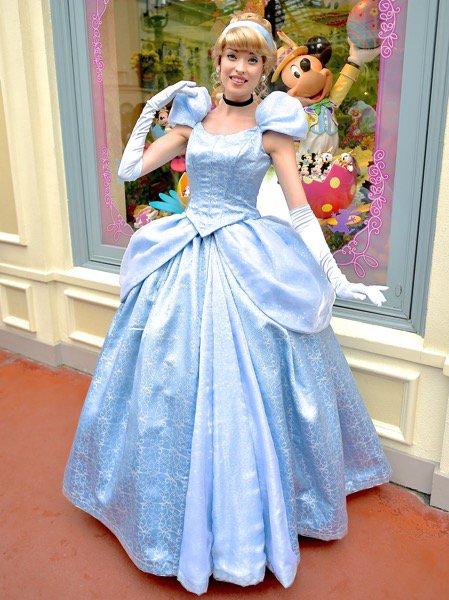ディズニー・シンデレラのドレスについて