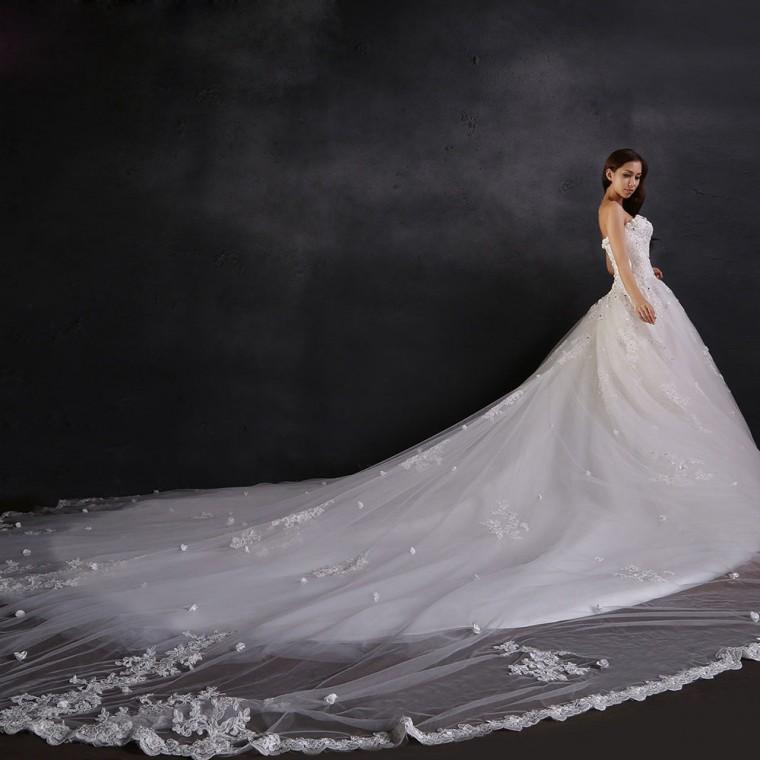 ロングトレーンのドレスの作り方